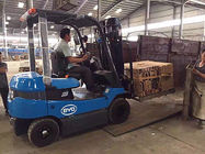 China 2.5 Ton Counterbalance Electric Stacker , Battery Operated Forklift 3m Lifting High factory