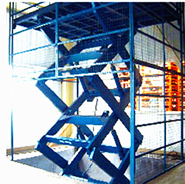 Movable Electric Scissor Lift Platform , Scissor Lift Work Platform HighLoading Capacity