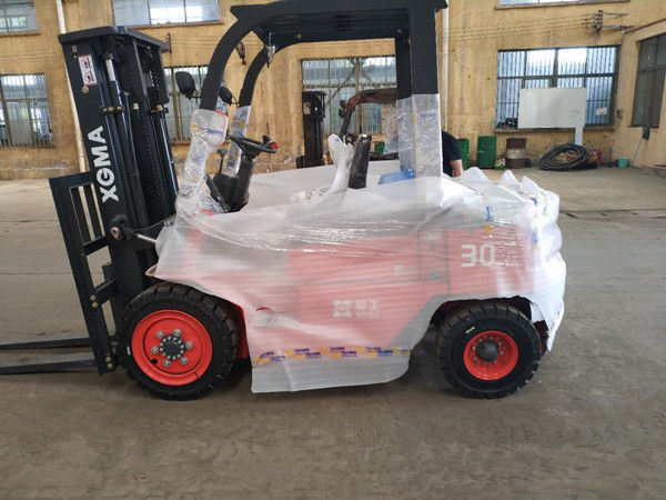 Paper Industrial Diesel Forklift Truck , Powered Pallet Truck High Performance
